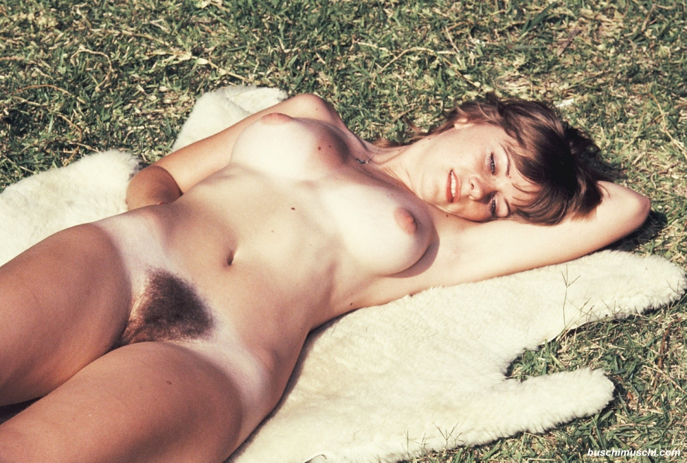 Retro hairy girls